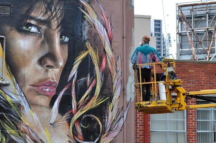 mural en edificio por Adnate y Shida 3