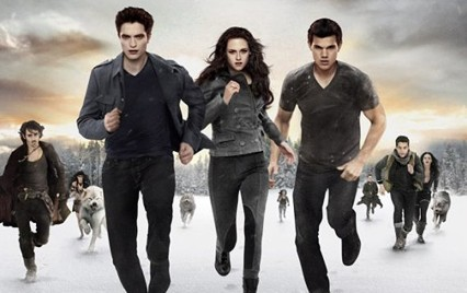"""112518 TwilightBreakingDownPart2CrepsculoAmanecerParte2 La saga """"Crepusculo"""" nominada como lo peor del cine."""