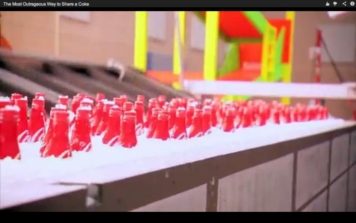 Captura de pantalla 2013 01 22 a las 13.40.54 e1358883398767 Video: Una forma original de abrir dos Coca Colas