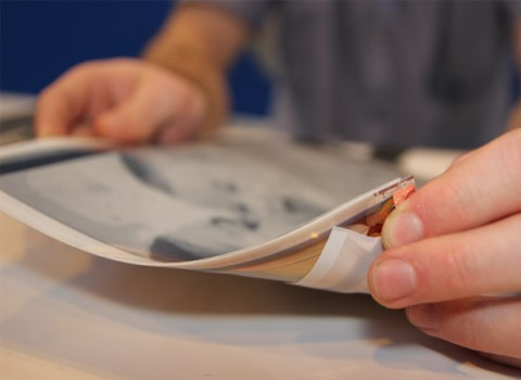"plasticlogic papertab electronics lg thumb 598xauto 5874 480x350 CES 2013: La tableta flexible ""Tablet PaperTab"" ha sido anunciada."