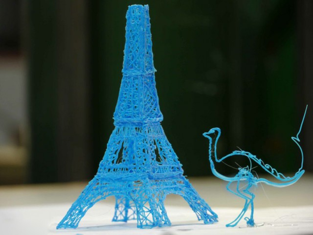 First-3D-Printing-Pen4-640x480