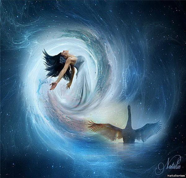 foto manipulada surreal mujer agua y cisne