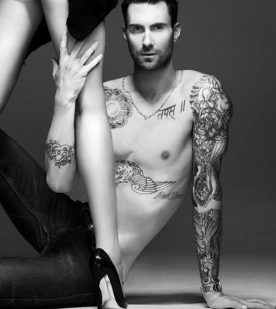 publicidad Adam Levine Maroon 5