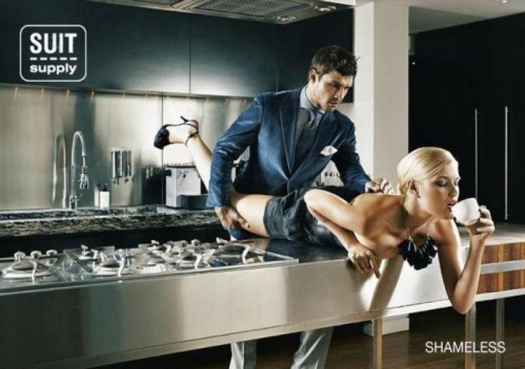 publicidad sexy suit supply