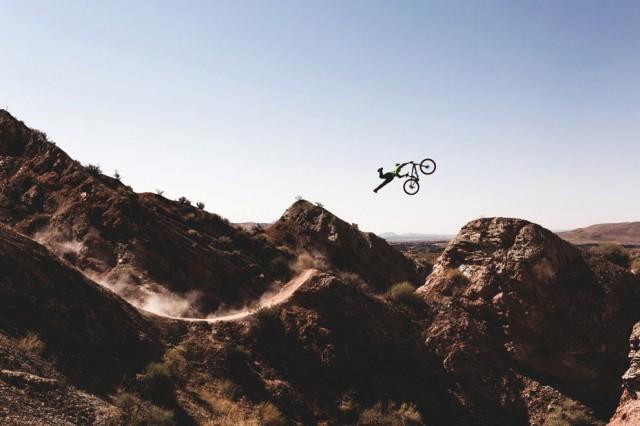 fotos saltos extremos bicicleta