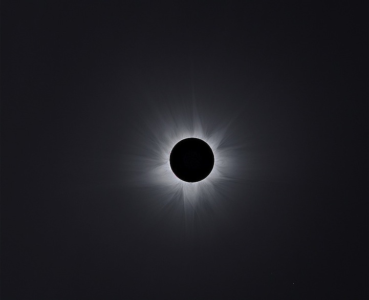 Corona Composite of 2012: Australian Totality por Man-To Hui (China)