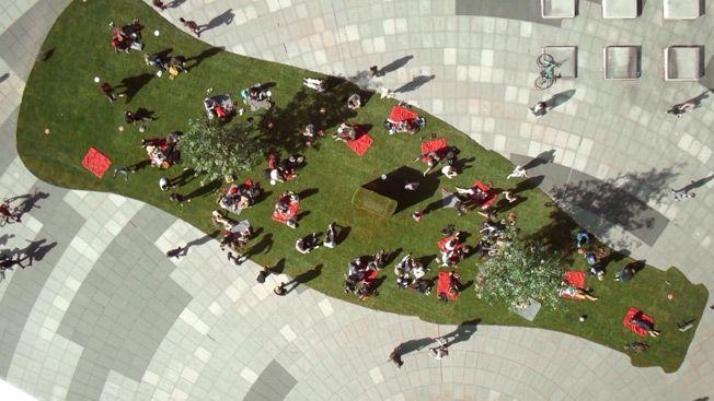 Publicidad BTL de Coca Cola parque artificial
