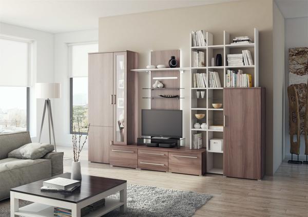 Sala con decorados de madera y colores cálidos y relajantes
