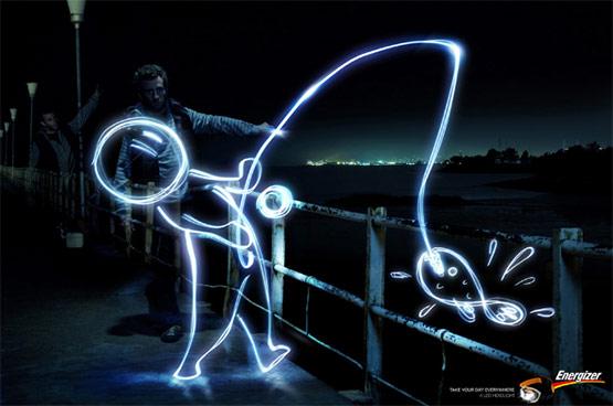 carteles publicitarios creativos, Publicidad de Energizer aprovechando un truco fotográfico: Lighting