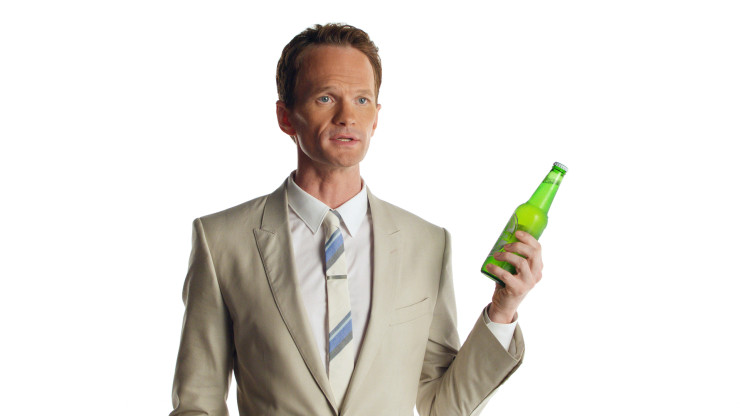 neil_patrick_harris_heineken_light_bottle