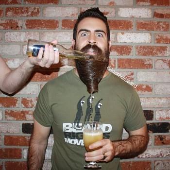Incredibeard hace arte con su barba img 9