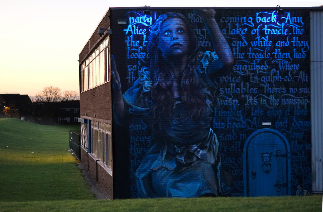 street art alice in wonderlands 2