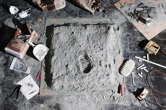 Representación de la foto de la huella de Edwin Aldrin quien es considerado el segundo hombre en pisar la Luna
