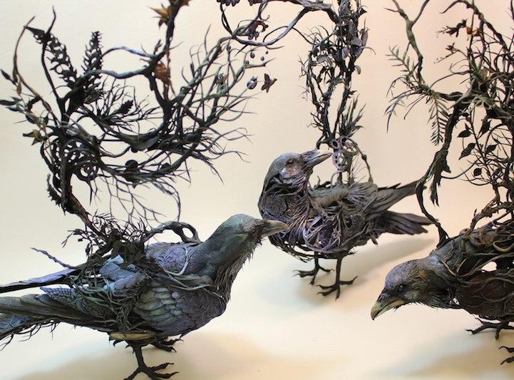 Ellen Jewett esculturas animales cuervos