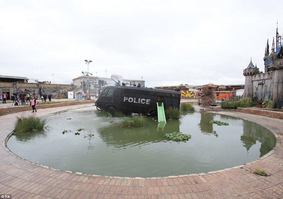 parque tematico dismaland Banksy 8
