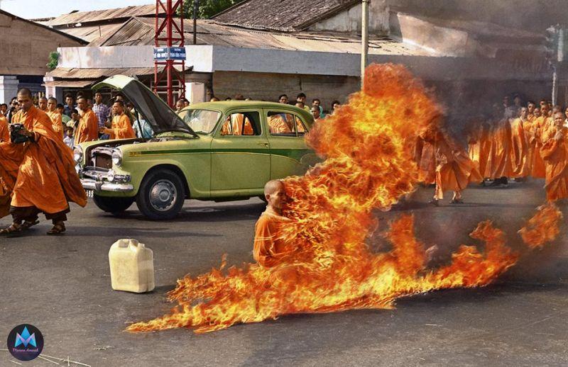 El monje budista Thích Quang Duc se quema a lo bonzo en Saigón (1963)