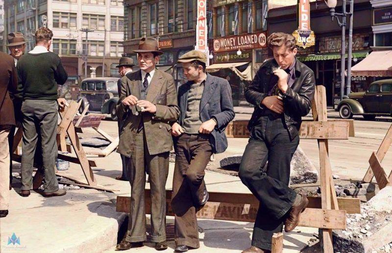 Hombres desempleados en una calle de San Francisco (1939)