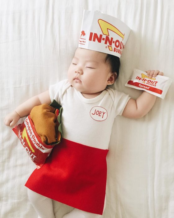 Cosplay mas tiernos del mundo in-n-out empleado