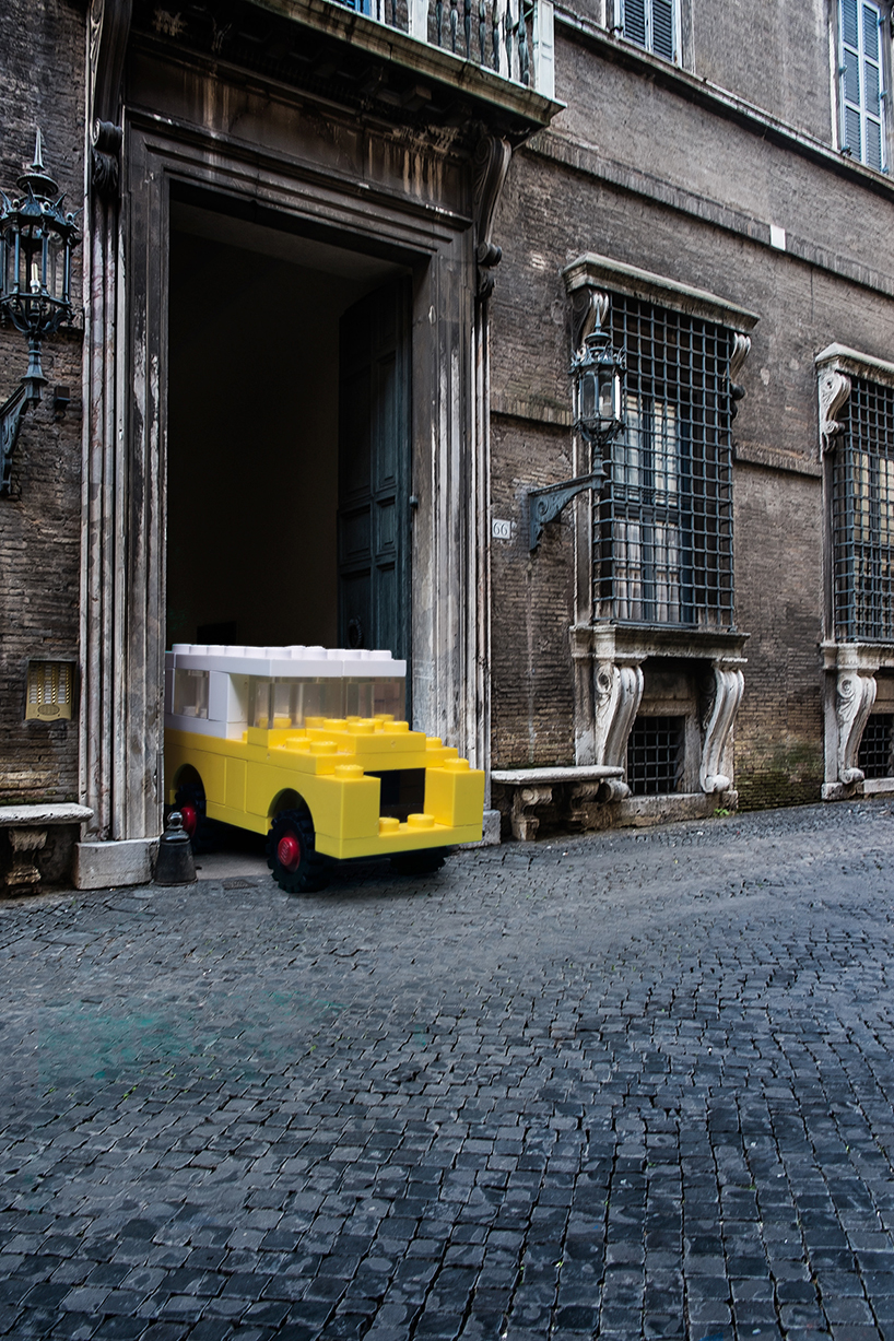 domenico-franco-lego-outside-legoland-italy-designboom-02