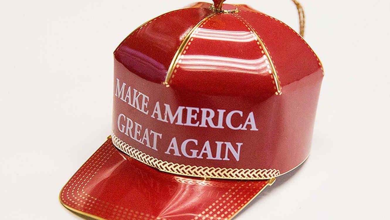 donald-trump-hat-christmas-navidad