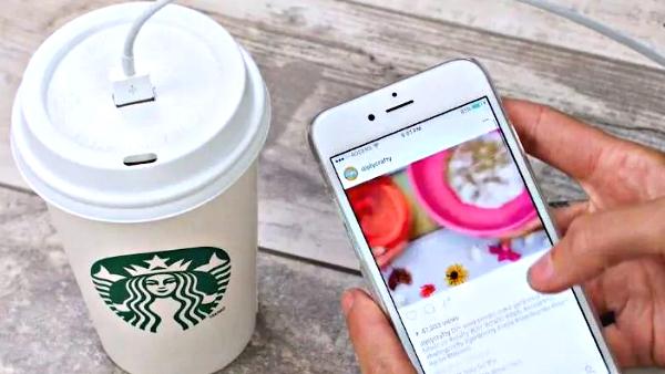 Convierte tu taza de café en un creativo cargador para teléfono