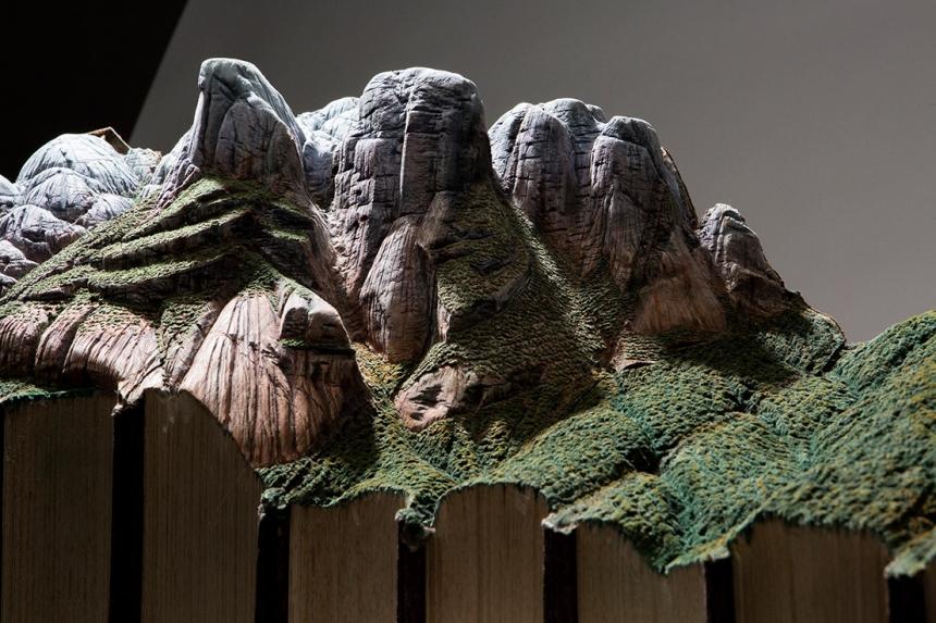 paisajes 3D elaborados en libros viejos
