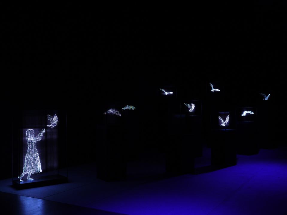 esculturas de luz por Makoto Tojiki