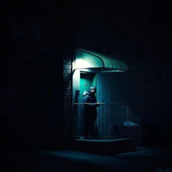 Neon Nights, una serie fotografica que relata la vida nocturna en NY (12)