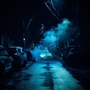 Neon Nights, una serie fotografica que relata la vida nocturna en NY (13)