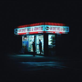 Neon Nights, una serie fotografica que relata la vida nocturna en NY (19)