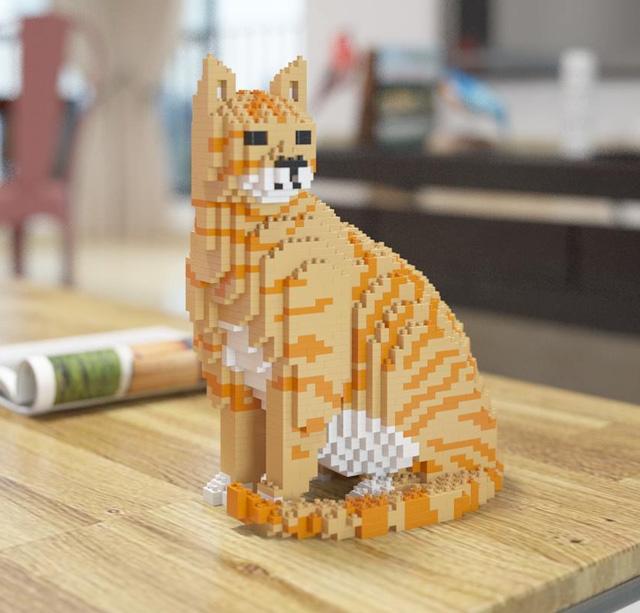 Figuras LEGO tamaño natural para amantes de los gatos