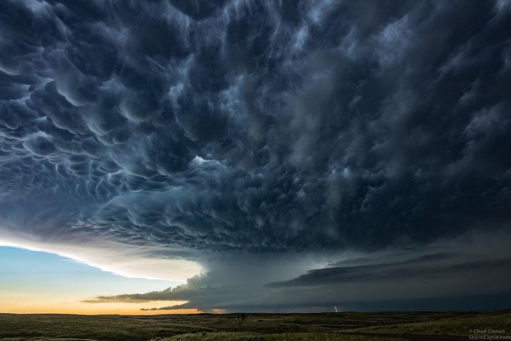 Vista en 4K sobre la fuerza de las tormentas eléctricas