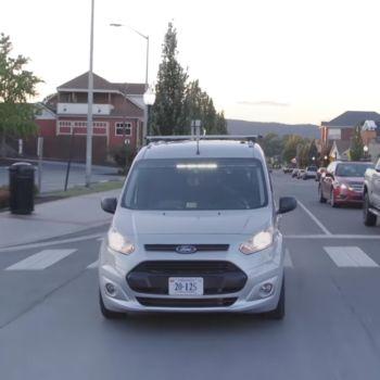 Auto sin conductor, la nueva campaña de Ford