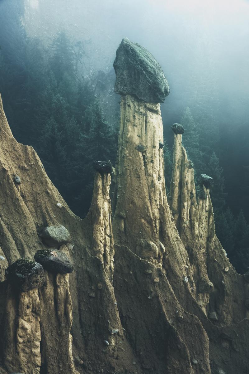 Fotografía natural: pirámides de tierra
