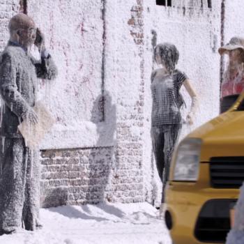 Warner Bros 'congela' una calle en su nueva campaña