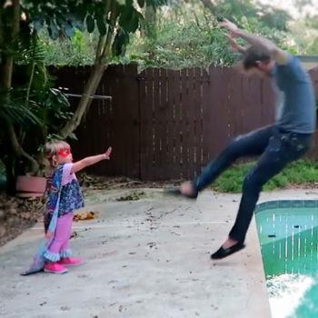 Padre transforma a su hija en SuperGirl sin usar efectos especiales