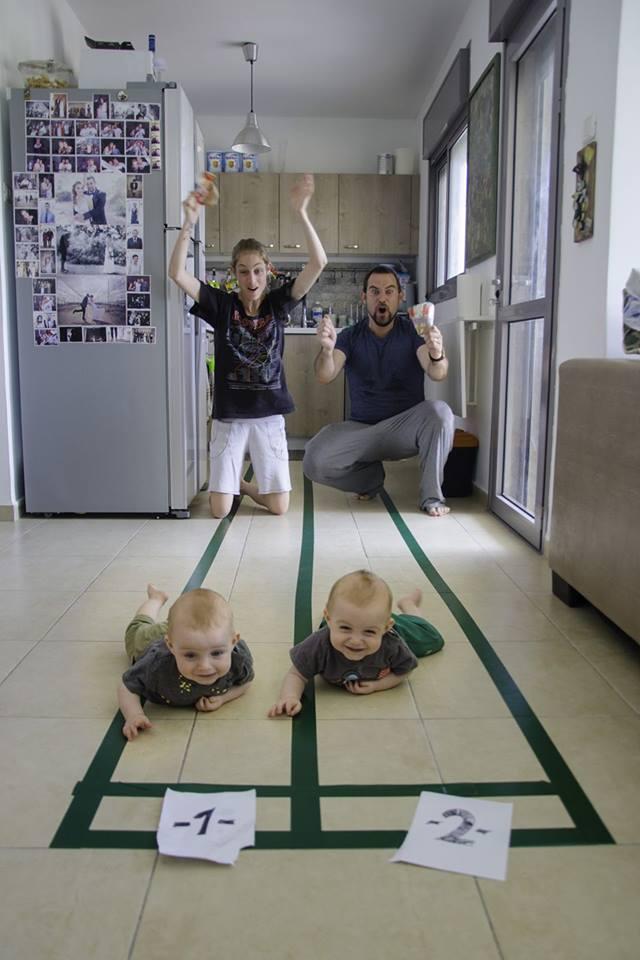 Serie fotográfica de un padre con sus gemelos