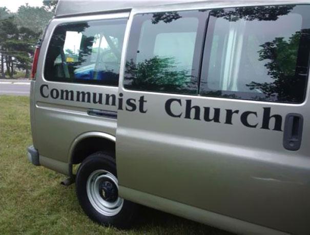 """""""Iglesia Comunista"""", Iglesias y formas de gobierno."""