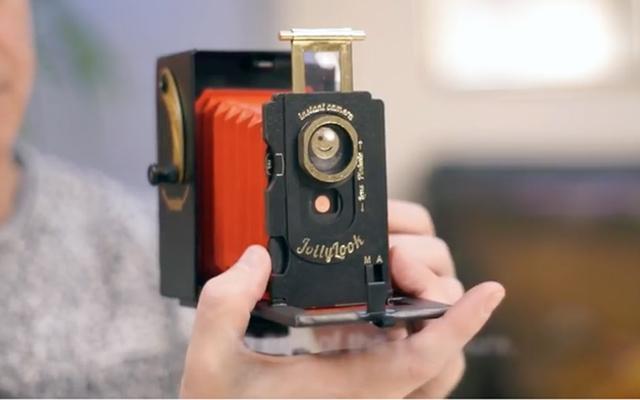 cámara instantánea de cartón