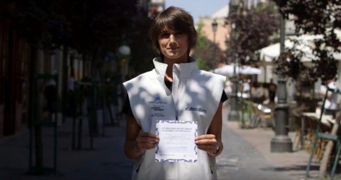 campaña de conciencia borra nombres en calles de Madrid
