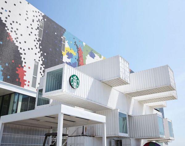 Starbucks tienda hecha con contenedores (1)