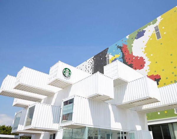Starbucks tienda hecha con contenedores (2)