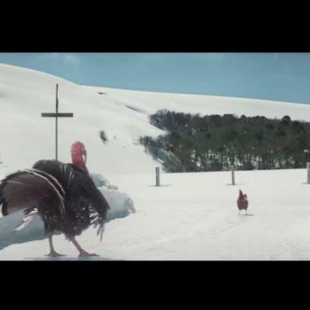 KFC enfrenta a un pavo y un pollo es nuevo spot navideño