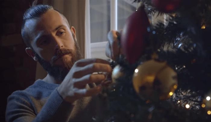 anuncio navideño de bajo presupuesto que se ha vuelto viral