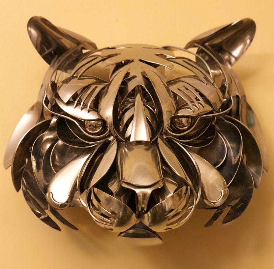 Esculturas metálicas con cubiertos por Matt Wilson