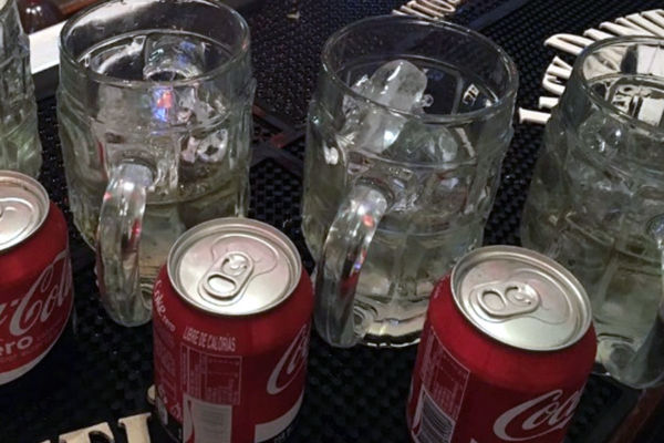 bebida alcohólica de Coca-Cola